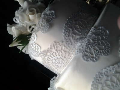 Lace and Sugar Frills - Edible Lace - Doornpoort